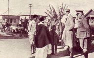 Maggio_1940_Il_duca_d'Aosta_in_visita_in_un_villaggio_etiopico