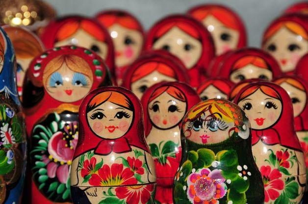 Matryoshka_dolls_in_Budapest